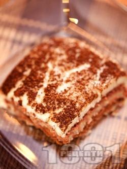 Лесна домашна бисквитена торта с бананов крем, ванилия и какао - снимка на рецептата